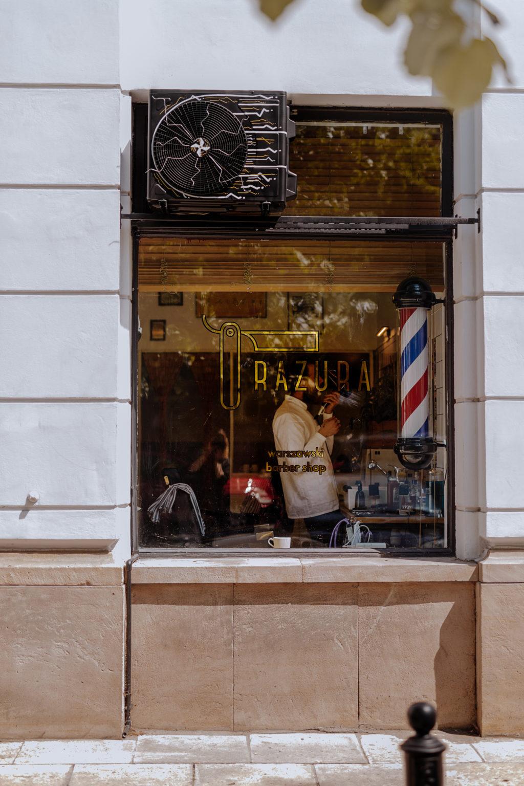 Razura barber Shop instalacja wykonana przez Diamond Breaker.